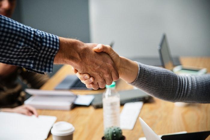 برای حفظ مشتریان دائمی به مشتریان خود اهمیت دهید.